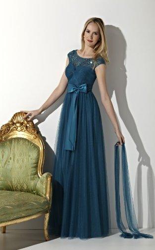 Платье с длинной юбкой из шифона